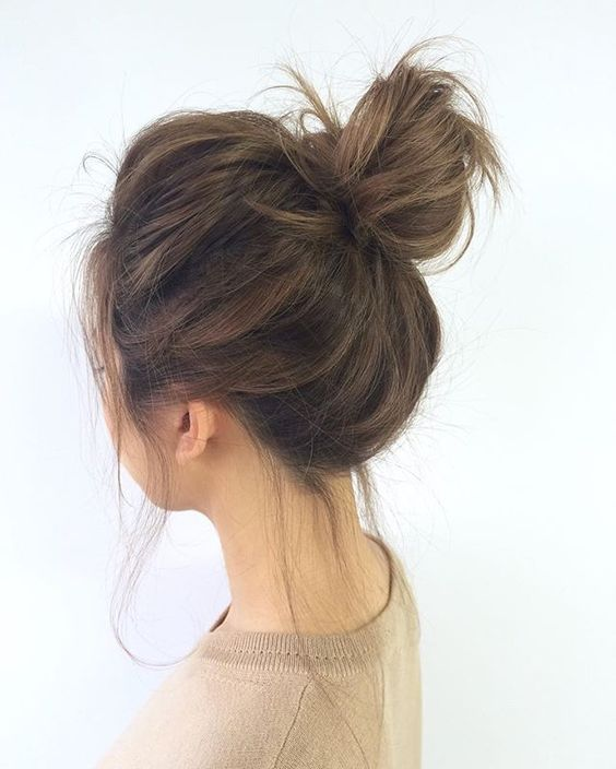 Perfect Loose Bun - 10 Eye-Catching Winter Formal Hairstyles to try in this Winter